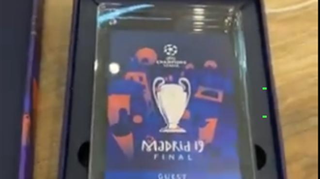 Le cadeau étonnant offert par l'UEFA à celle qui a