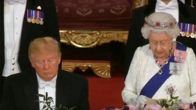 Donald Trump s'endort pendant le discours de la reine Elizabeth? Les images provoquent un tollé sur les réseaux sociaux (vidéo)