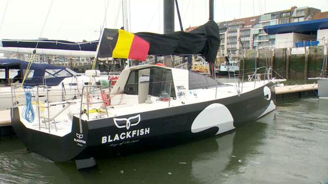 Le Blackfish en mer pour collecter des données sur les déchets en plastique