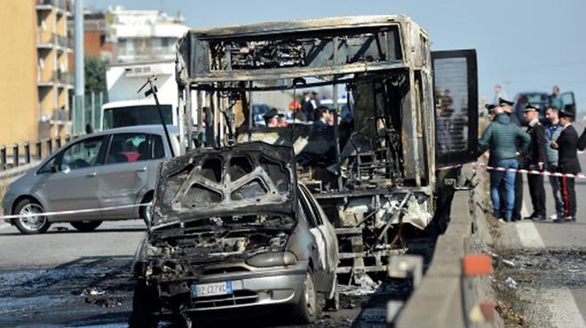 Ils avaient été LES HÉROS de la prise d'otage et de l'incendie d'un bus scolaire en Italie: Ramy et Adam ont été naturalisés