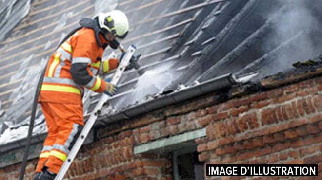 Violent incendie à Leuze-en-Hainaut: les flammes se sont propagées à une maison voisine