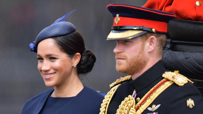 Le prince Harry n'avait pas l'air heureux pendant l'anniversaire de la Reine: selon des experts royaux,