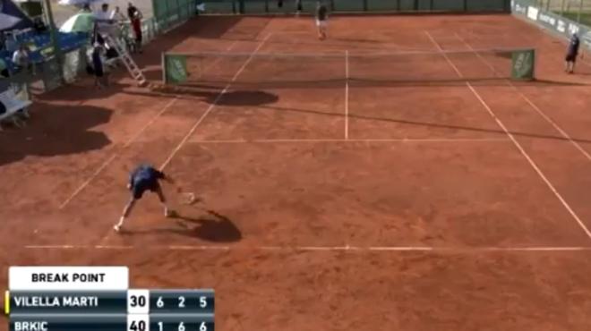 Une défaite qui passe mal: ce joueur espagnol pète un plomb en fin de match (vidéo)