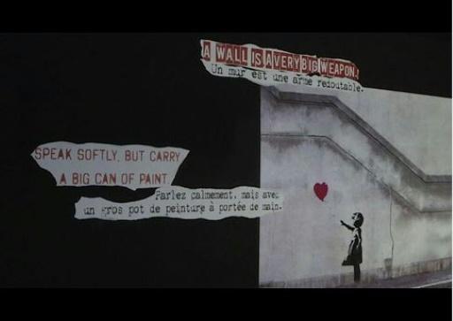 Les fresques murales de Banksy reconstituées dans une exposition à Paris