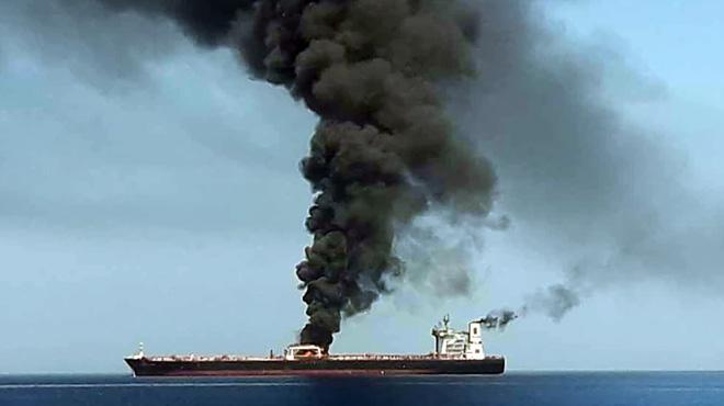 Deux pétroliers cibles d'une attaque en mer d'Oman: