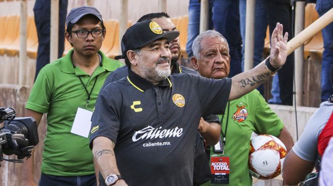 Maradona quitte son poste d'entraîneur au Mexique pour raisons de santé