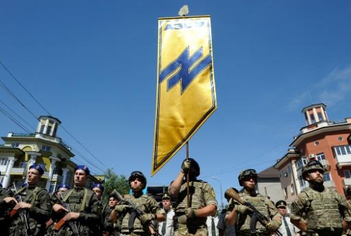 Ukraine: le nouveau président visite un port stratégique sur la ligne de front