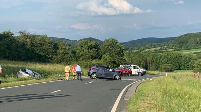 Dramatique accident sur la N99 près de Nismes: deux morts et trois blessés, dont deux enfants