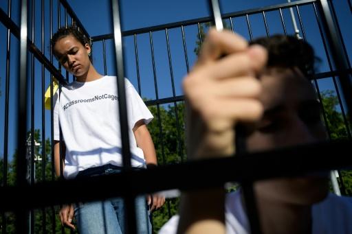 Enfants dans des cages : manifestation à Genève contre la politique migratoire de Trump