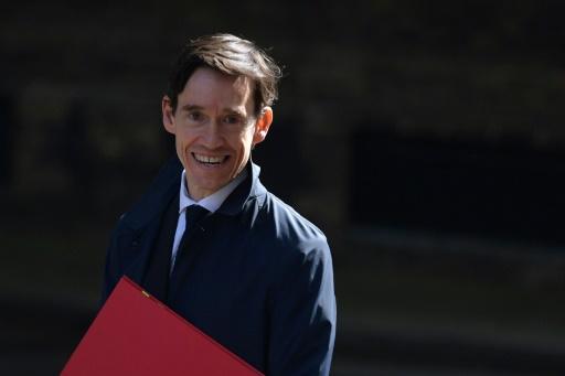 Rory Stewart, un infatigable marcheur qui crée la surprise dans la course à Downing Street