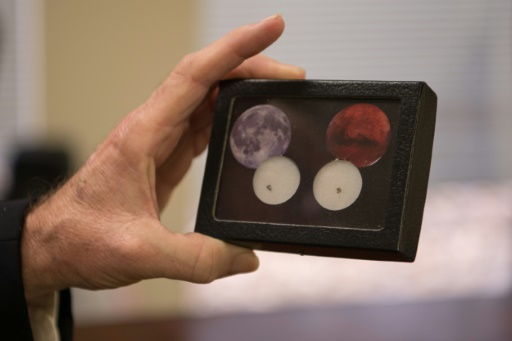 Que sont devenus les fragments de Lune rapportés par les missions Apollo?