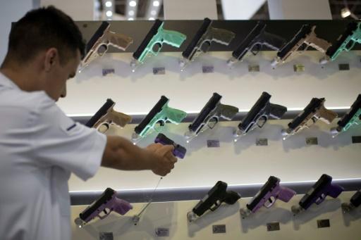 Brésil: le Sénat s'oppose au décret Bolsonaro libéralisant la vente d'armes