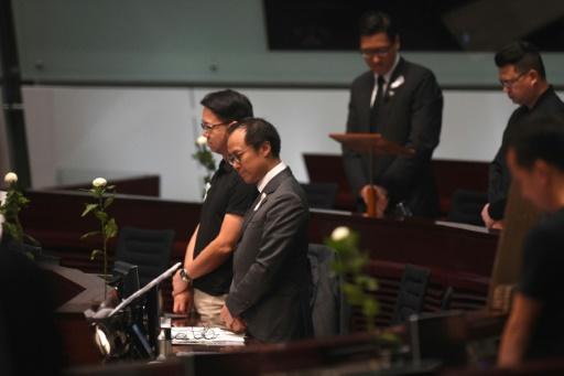 L'exécutif hongkongais essuie les critiques de l'opposition au parlement