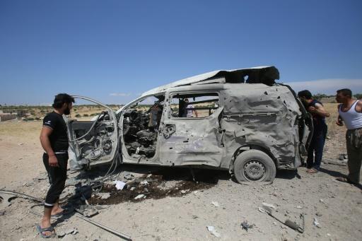 Syrie: 14 civils tués, dont deux secouristes, dans des frappes du régime