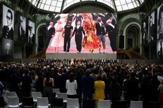 Vibrant hommage à Karl Lagerfeld au Grand Palais à Paris