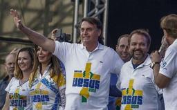 Bolsonaro remplace son quatrième ministre en six mois