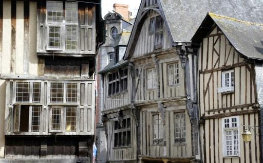Dinan: un incendie ravage une maison emblématique du Moyen-Age