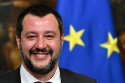 L'Italie bloque encore 42 migrants et pointe du doigt La Haye