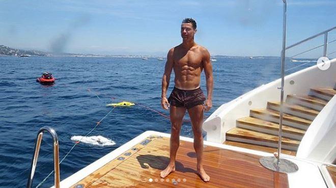 L'ÉNORME pourboire de Cristiano Ronaldo aux employés de son hôtel en Grèce 1