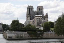 Une découverte miraculeuse relance l'espoir de sauver l'horloge de Notre-Dame de Paris