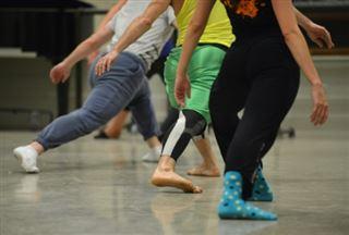 Montpellier Danse célèbre L'Einstein de la danse Merce Cunningham, né il y a 100 ans