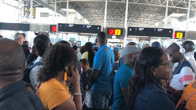 Chaos à Brussels Airport ce matin: un millier de passagers partent en vacances sans valise