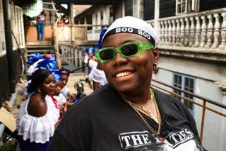 Teni, la chanteuse garçon manqué et humaniste que le Nigeria adore