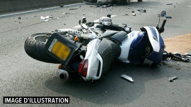 Stavelot: un motard grièvement blessé après une collision avec un camion