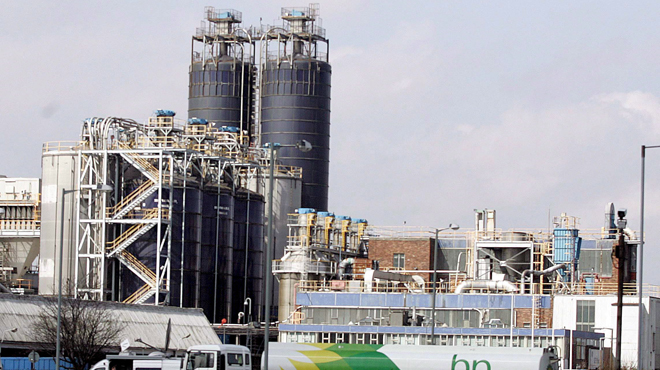 Incendie à l'usine Ineos de Feluy: le feu est maîtrisé