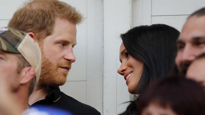 Embarrassant: quand le prince Harry ignore son épouse en plein match de baseball (vidéo)
