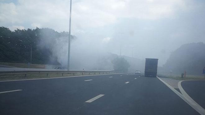 Un camion prend feu sur la E42 et provoque un important dégagement de fumée