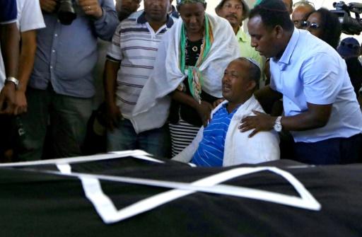 Après la mort d'un des leurs, les Israéliens éthiopiens font éclater leur colère contre la police