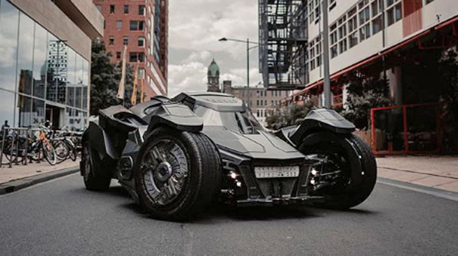 La Batmobile aperçue à Bruxelles appartient à Talal et Sultan: