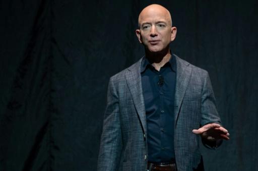 Le PDG d'Amazon Jeff Bezos finalise son divorce avec un accord à 38 milliards de dollars