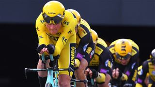 Mike Teunissen brille à nouveau au pied de l'Atomium- revivez la 2ème étape du Tour de France en Belgique