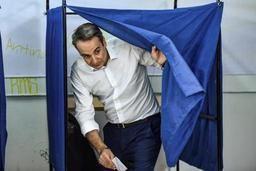 Elections en Grèce- Juncker félicite Mitsotakis et le met en garde