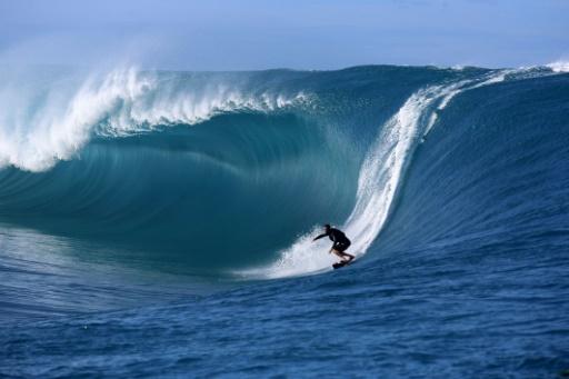 Epreuve de surf aux JO de Paris-2024: Tahiti défend sa candidature avec ses vagues mythiques