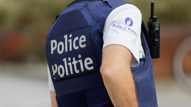 Nivelles: un trentenaire retrouvé mort dans une voiture le lendemain d'un accident, le passager grièvement blessé