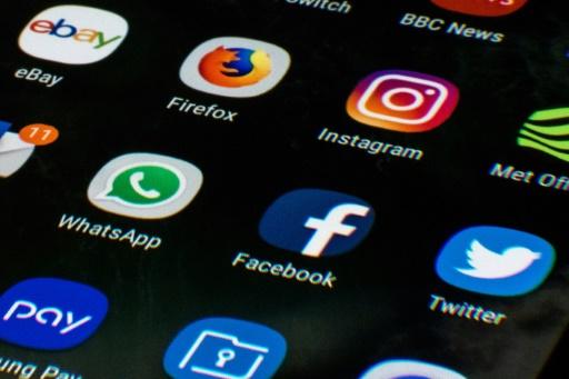Lutte contre la haine en ligne: les principales mesures