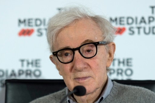 Woody Allen tourne en Espagne, loin des accusations d'abus sexuels