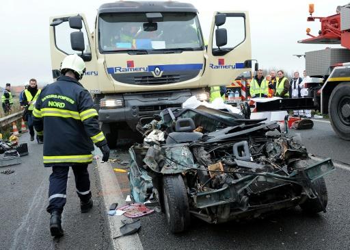 Sécurité routière: Castaner prône responsabilité et fermeté à l'entame des vacances