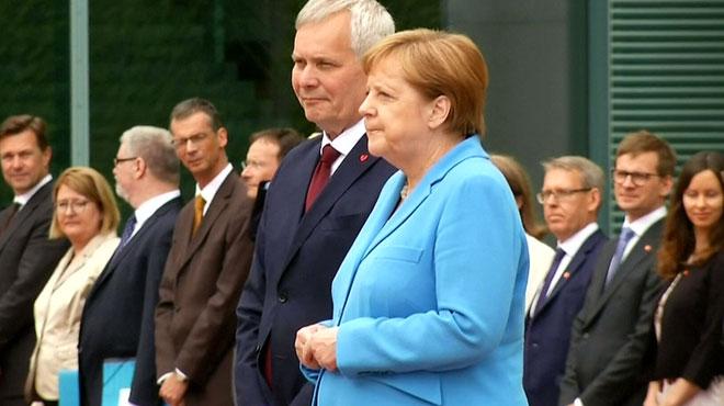 Angela Merkel à nouveau prise de tremblements: