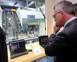 La police lance une enquête sur le projet de caméras à reconnaissance faciale à l'aéroport
