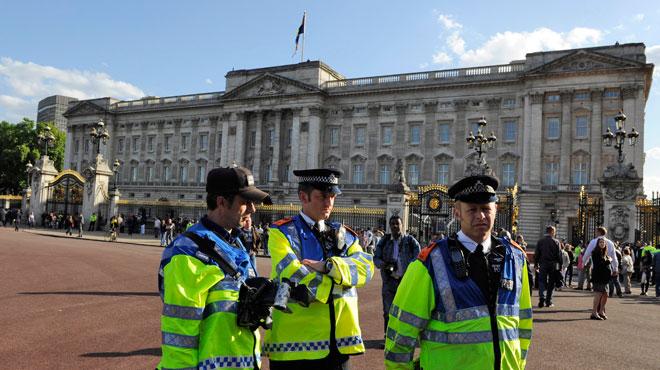 Un homme arrêté cette nuit dans l'enceinte de Buckingham Palace: la Reine y dormait