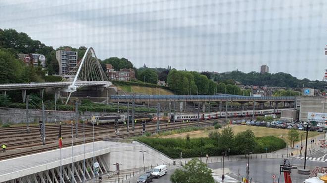 Un train (en panne) a déraillé en gare de Liège-Guillemins ce jeudi matin