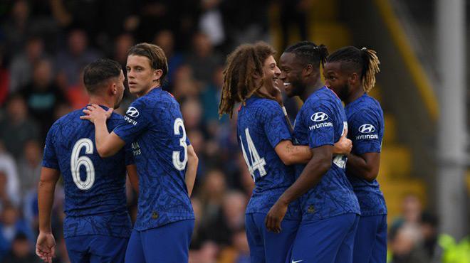 Michy Batshuayi inscrit le premier but de la saison de Chelsea (vidéo)