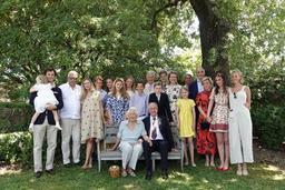 La famille royale a fêté les noces de diamant du roi Albert II et de la reine Paola
