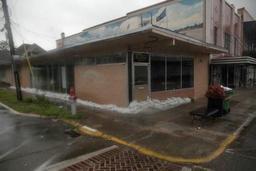 La tempête Barry, qui affleure la Louisiane, devient un ouragan de catégorie 1
