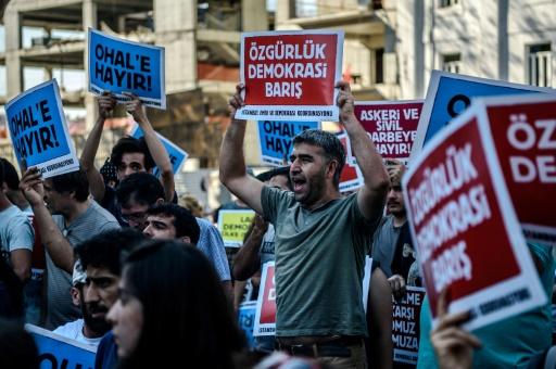 Turquie: 3 ans après le putsch, des victimes des purges en désarroi