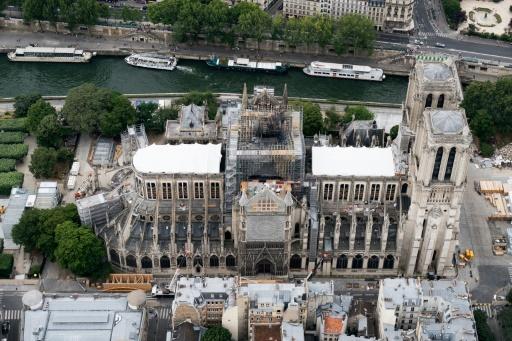 Plomb, échafaudages et perches à selfie : trois mois après l'incendie de Notre-Dame